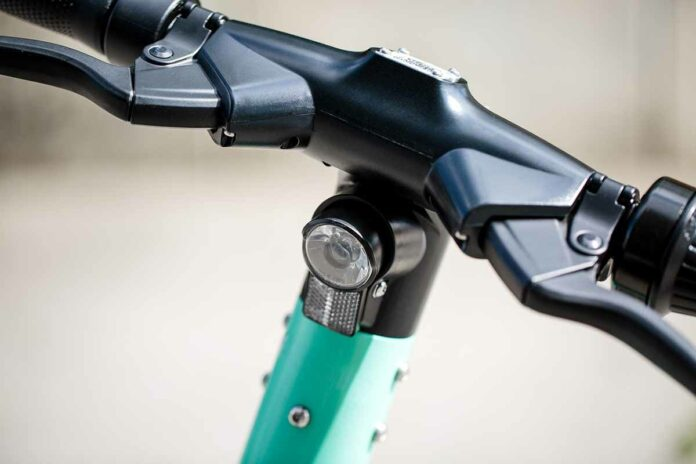 ADAC Preisvergleich von Leihfahrrädern und E-Scootern