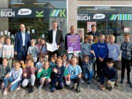 Gemeinsam neue Welten erschließen – Kultusminister Piazolo verleiht Gütesiegel für besonders wertvolle Leseförderung