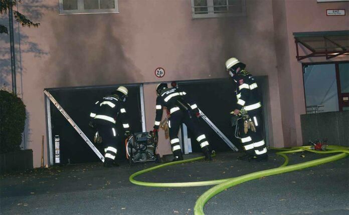 Tiefgaragenbrand in Freimann: Kurze Nacht für Bewohner