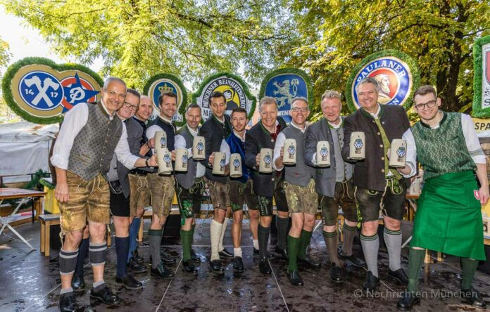 Unser Herz für die Wiesn 2021 - Münchner Brauer und Wiesnwirte läuten symbolisch Oktoberfest ein