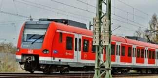 Berg am Laim: Person überquert S-Bahngleise und wird dabei tödlich verletzt