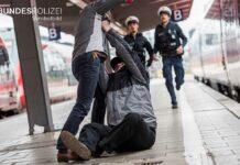 Angriff auf Mann am Hauptbahnhof - Einfahrender Zug muss Schnellbremsung einleiten