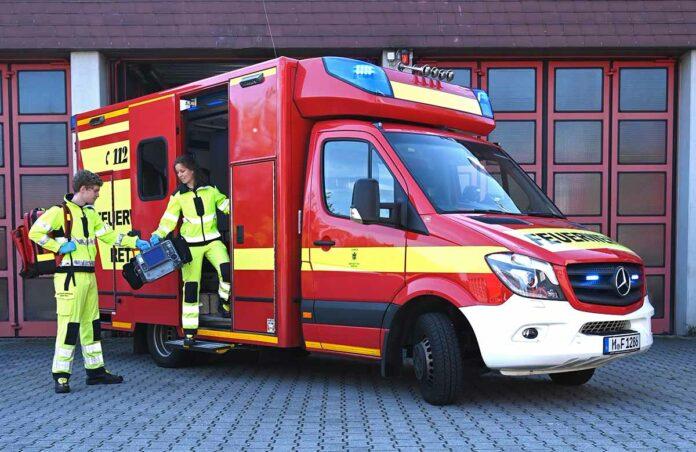Traumjob zu vergeben: Die Berufsfeuerwehr München bildet Notfallsanitäterinnen und Notfallsanitäter aus