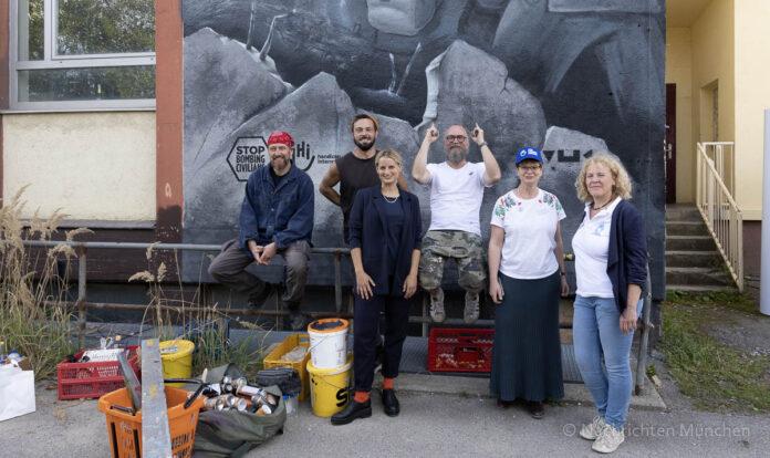 #StopBombingCivilians – Graffiti gegen Bomben auf Wohngebiete eingeweiht