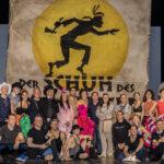 """Michael Bully Herbig beim Probenbesuch """"Manitu is coming home"""" im Deutschen Theater"""