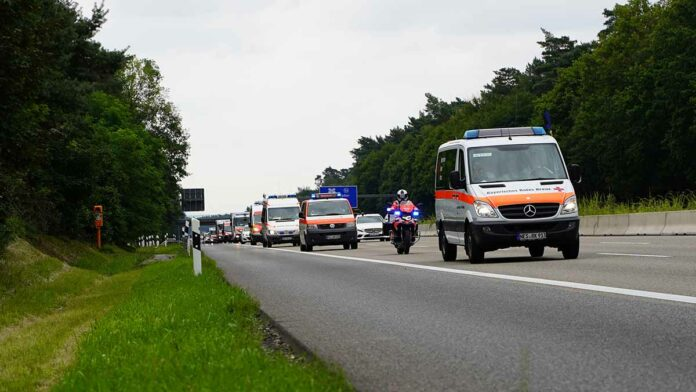 Große Marschübung des BRK im Raum München